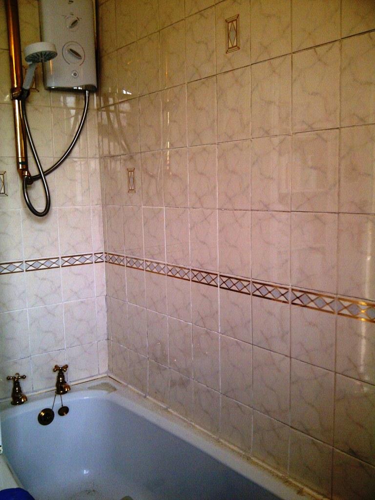 Ceramic Bathroom Tiles Before Cleaning Kettering