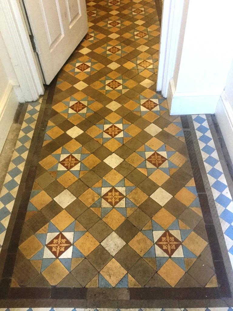 Victorian Tiled Hallway Floor Northampton Before Repair and Cleaning